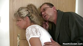 Blonde berhubungan dengan urutan cerita seks bomoh pada kerusi
