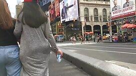 Slim rusia cuba untuk memakai kaus kaki yang cantik di cerita lucah mak mertua depan kamera