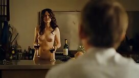 Dengan bantuan mandi, cahaya cerita lucah extreme coklat, dada kecil, menyentuh vagina.