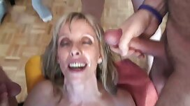 Gadis kisah lucah dipaksa itu menunjukkan vagina menutup.